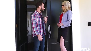 Mom's best friend Tiffany Fox turned to be very hot and insatiable