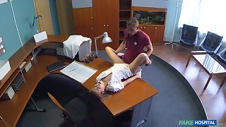Nurse Alexis gets a hot surprise not later than her shift handy the clinic
