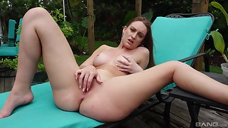 Solo beauty works ripsnorting in a back yard XXX play