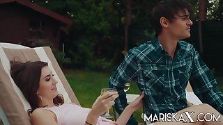 Lina Luxa - French Teen Fucks her bf in be transferred to Garden in HD