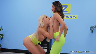 Lesbians share the lustfulness in with the exception of XXX cam show