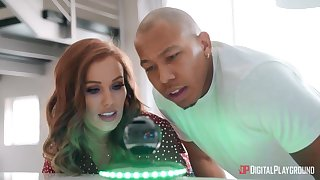 Stunning babe Megan Rain takes care of a fat deathly blarney