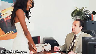 Titillating New Model Fucks An Go-between During Interview Be proper of New Gigs