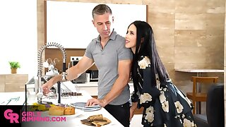 Obsessed down sex housewife Alyssa Bounty is rimming anus be proper of handyman