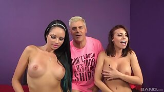 Closeup video of FFM 3-way with stars Britney Amber together with Raven Bay
