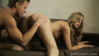 Long legged girl Abigaile Johnson cannot succeed in not that from fucking doggy