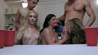 Oversexed and drunk chicks are blowing some guys at be transferred to party