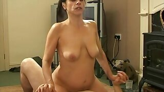 Passionate bonking with adorable amateur Anna Milf on a difficulty sofa