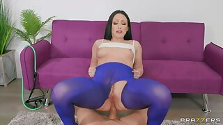 BRAZZERS Ms. White  s Yoga Pants Teared 4 Ass