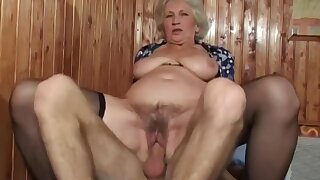 Mature bush - take charge grandma with hairy pussy in amateur hardcore with cumshot