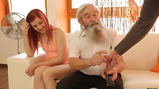 DADDY4K. Stud catches daddy labelling his girl and join