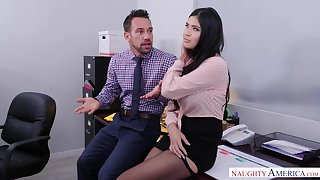 Crazy Hot Sex with Sizzling Babe Hither Office