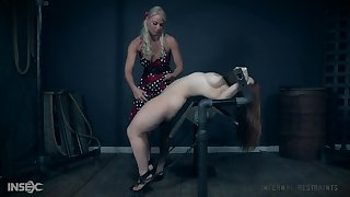Femdom session connected with mistress London Geyser abusing the brush teen slave girl