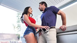 Fucking sexy GF's sister Sofi Ryan turned to be insatiable and hot blooded bitch