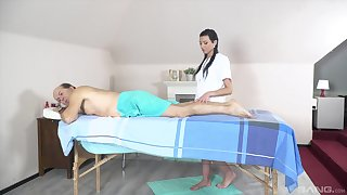 Massage leads the old man to fuck the teen masseuse