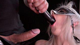 Splintered slut leaves master to anal bang her poikilothermal