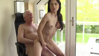 Sexy young babe ends up getting laid with her grandpa
