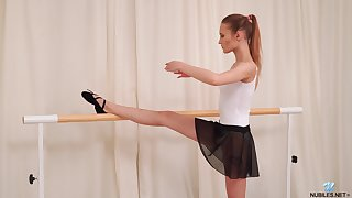 Sporty charming ballerina Olivia Westsun loves labelling her wet pussy