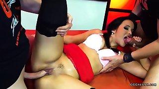 Cute latina jenifer mendez gets bukkakes and anal